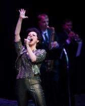 Angela-Ingersoll-sings-Judy-Garland-10s
